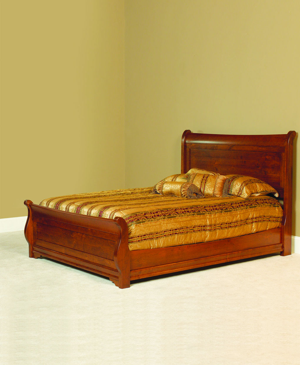 Luxembourg Amish Sleigh Bed
