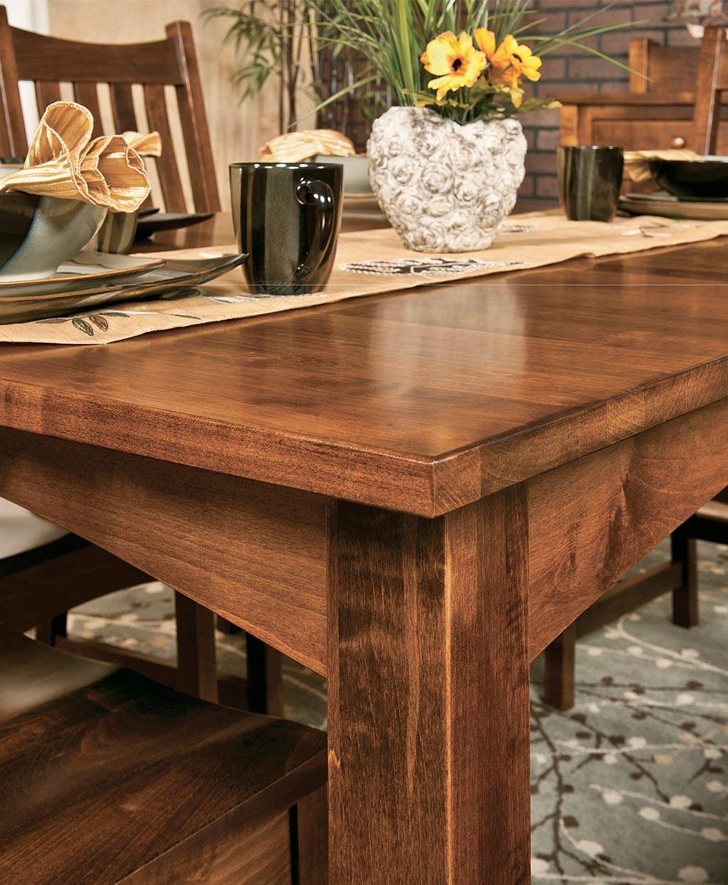 Heidi Amish Leg Table Set [Detail]