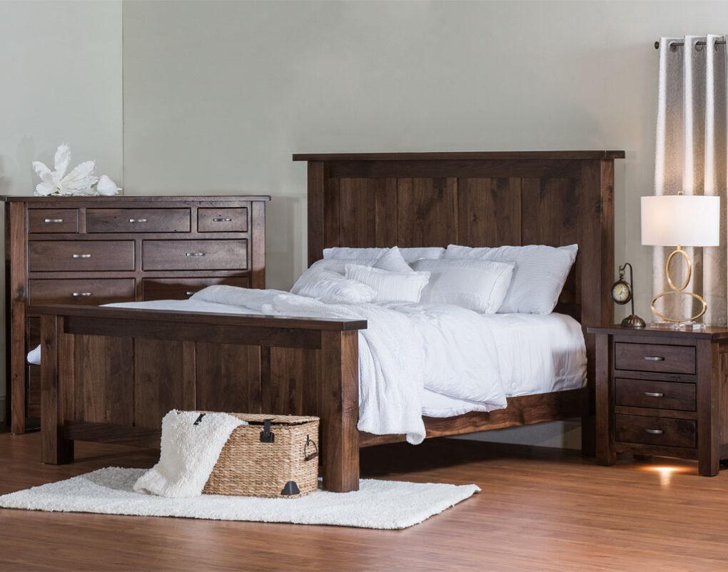 Heidi Amish Bedroom Set