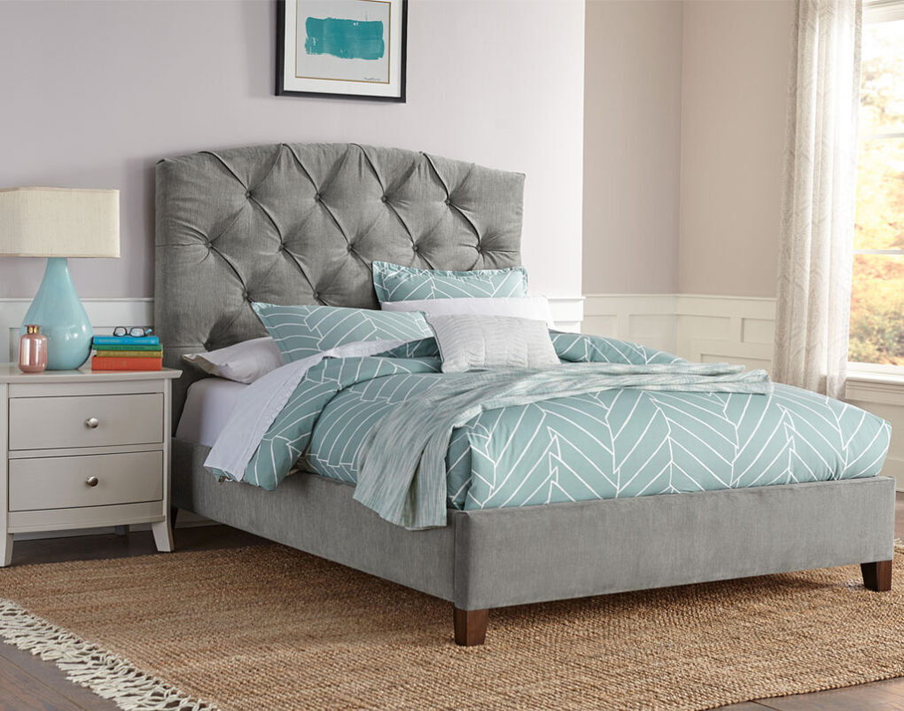 Lily Amish Full Upholstered Bed