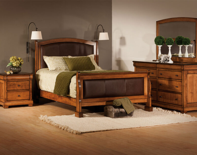 Marshfield Amish Bedroom Set [Leather Paneled Headboard]